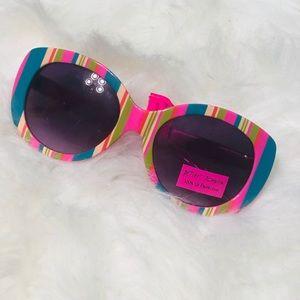 NWT Betsey Johnson women rainbow sunglasses NWT